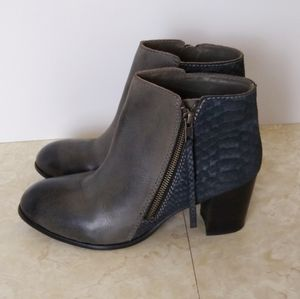 Diba True Romance Grey Silver Snake Leather Boots